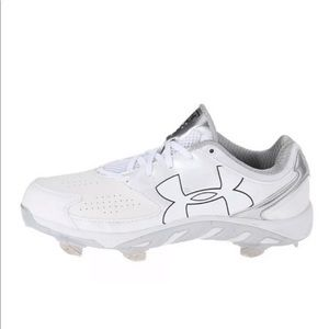 NWOB Under Armour Softball Cleats